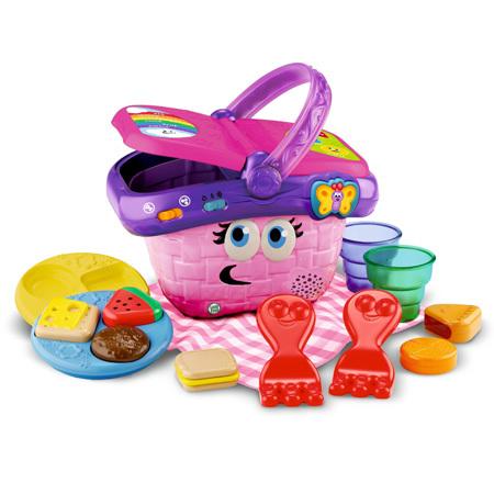 カラフルなデザインの輸入玩具で、アルファベットや英語の曲が学べます♪