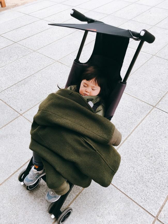お昼寝時も、気持ち良さそうにすやすや。しっかりシートに身を沈めているからか、不安定にはなりませんでした