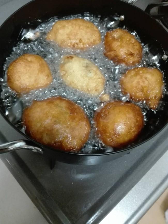 今回は、ホットケーキミックスを使って簡単に作れるマサラダレシピです