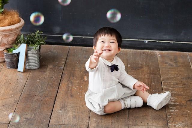 エンスタジオは赤ちゃん~子供の撮影に慣れていて、あやすのも笑顔を引き出すのもとっても上手でした♪