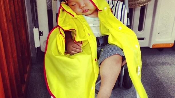 《今日、何着せる?》 梅雨&夏前のビミョ〜な時期、ベビー&キッズの月齢別・着こなし術