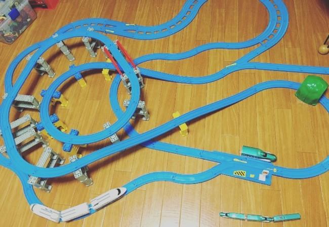 特に最高速度、時速320キロの『はやぶさ』は息子のお気に入りの新幹線の1つです。息子のおかげで私も少し詳しくなりました(笑)