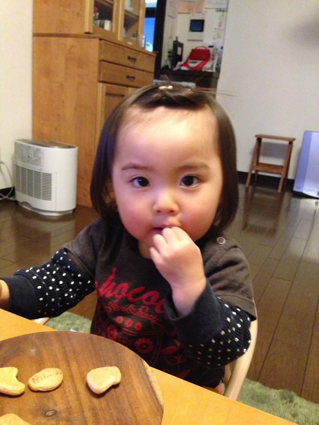前髪が伸びちゃったときには、くるっとまとめてクリップで留めてポンパドールに。楽チンでカワイイ!