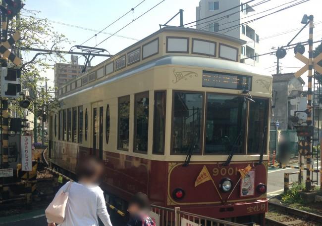 東京では珍しい路面電車。都電荒川線に乗ってでかけます♪