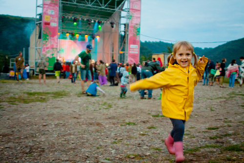 音楽好き・フェス好きママが、子連れにやさしい今年のフェスを紹介します♪ Vira Mylyan-Monastyrska / Shutterstock.com