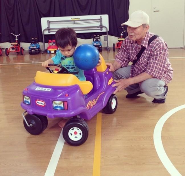はじめの運転に挑戦! いろいろなおもちゃがあるんですよ♪