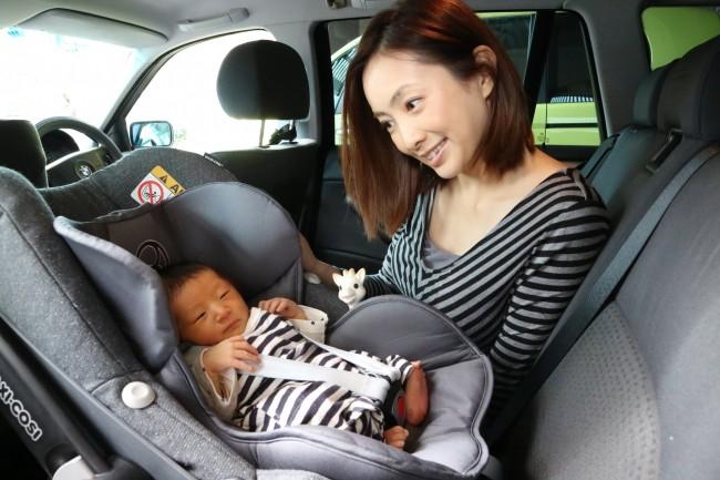 退院時の写真になります。新生児用インサートは産院から帰るときにも快適そうでした