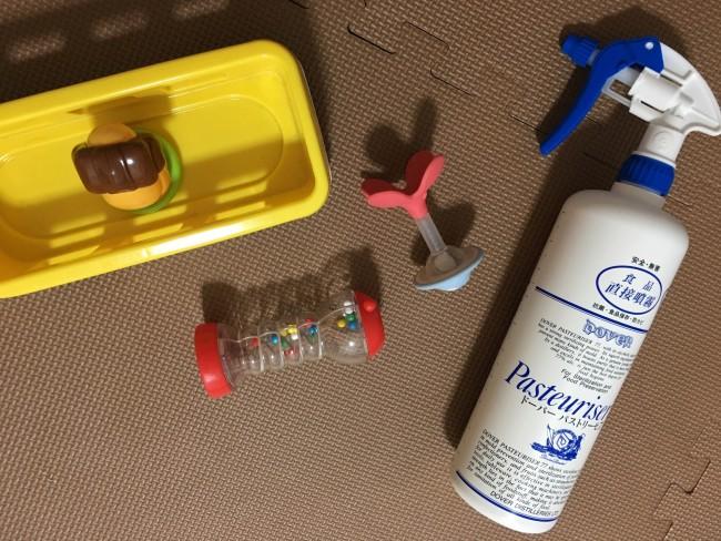 清潔にしておきたいおもちゃには、2度拭きいらずのスプレーが大活躍