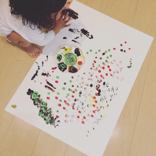 """子どもの描いた""""作品""""とともに、誰かへの贈り物にしてみたら"""