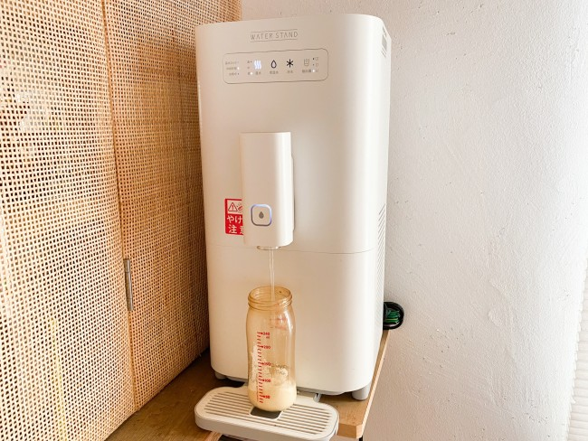 すぐに適温のお湯や水が出てくるなんて幸せ! ボタン式のものを選べば調乳もしやすいです