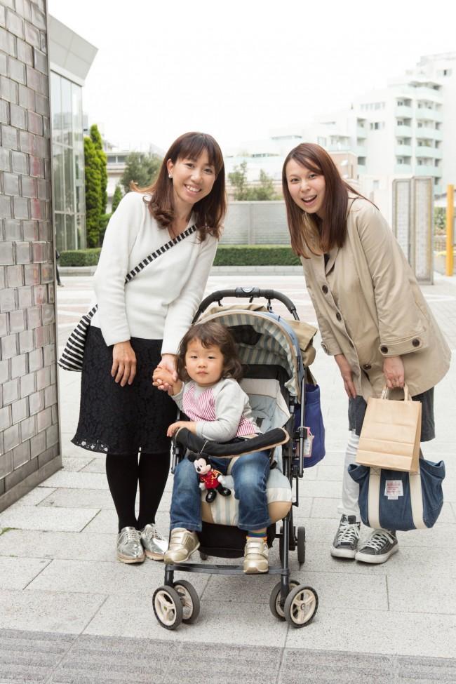 山本美恵子さん、悠翔くん(2歳)、笠井絢子さん(妊娠8ヶ月)
