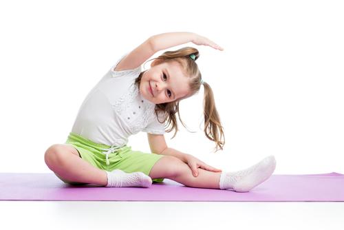 小さなうちから始めれる体操。子どもは体を動かすことが大好きです!