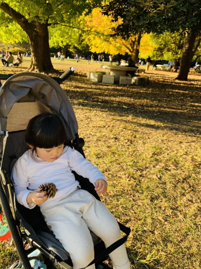 コンパクトながらも、3歳のお姉ちゃんが乗っても余裕のあるシート。なが〜く乗れそうです