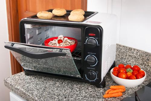 実はこだわりたいトースター。多機能なものもたくさん登場しています
