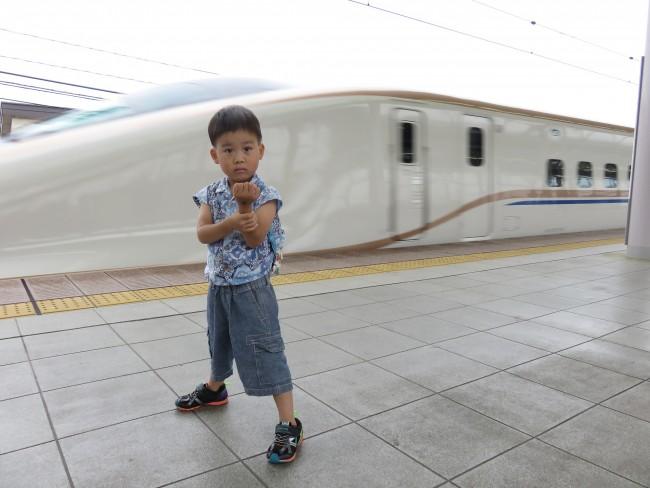 我が家が子連れで北陸新幹線に乗ったときのレポートです