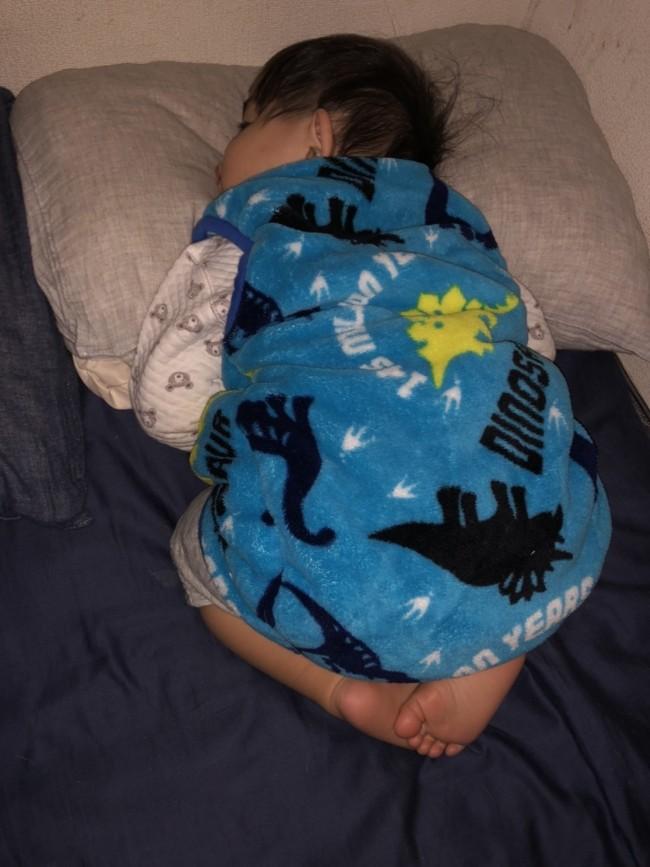 夜になるときちんと寝てくれる! 寝かしつけがほぼ不要な長男