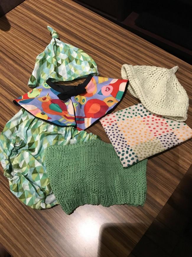 手芸好きなので、どんぐり帽子を編んだり、スタイやブルマを縫ったり♡ ベビー小物は小さいので、すぐ出来上がるのも嬉しいところ♪