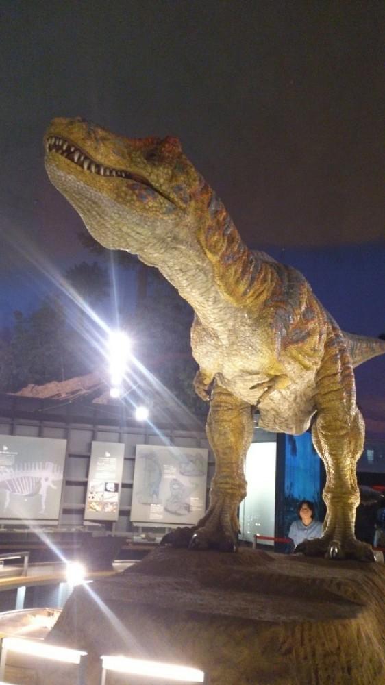 大迫力の、動くティラノサウルス!