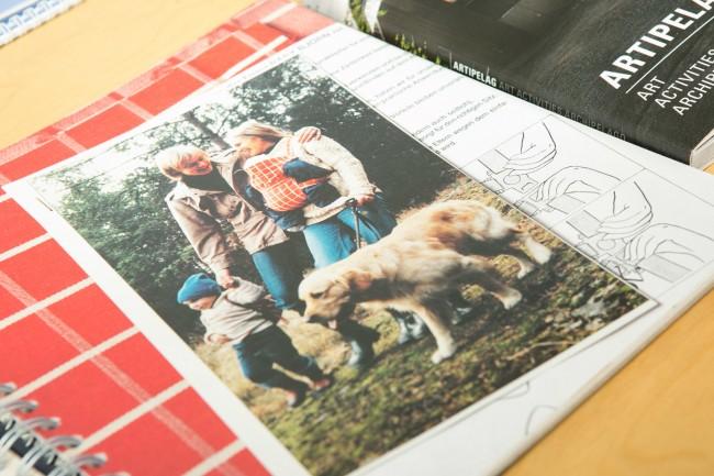 こちらが発売当初の抱っこ紐。ビョルンでは、父親も参加した、家族での育児イメージが多く使われています