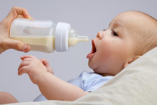 ママも赤ちゃんが毎日使うものだから、使いやすくて飲みやすいものが良いですね!