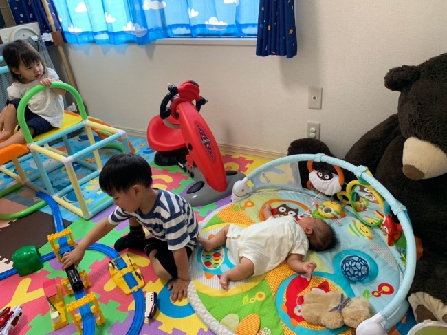 ここは赤ちゃんのスペースね、が上の子たちにも分かります