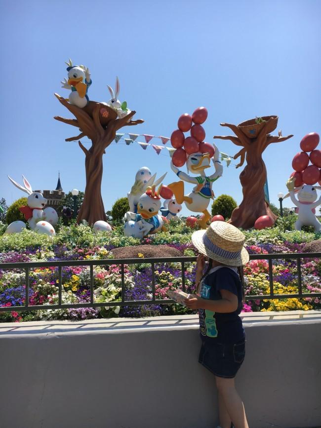 季節のイベントで装飾されたパーク内。それを見ているだけでも楽しい気分に!