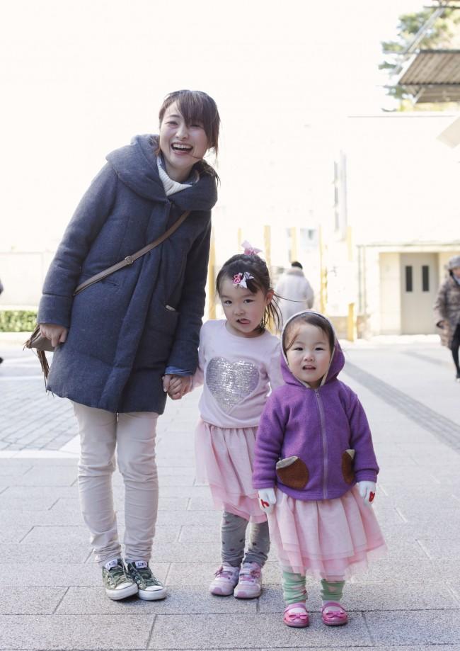 中谷さやさん・あゆりちゃん(4歳)・ゆいかちゃん(2歳)