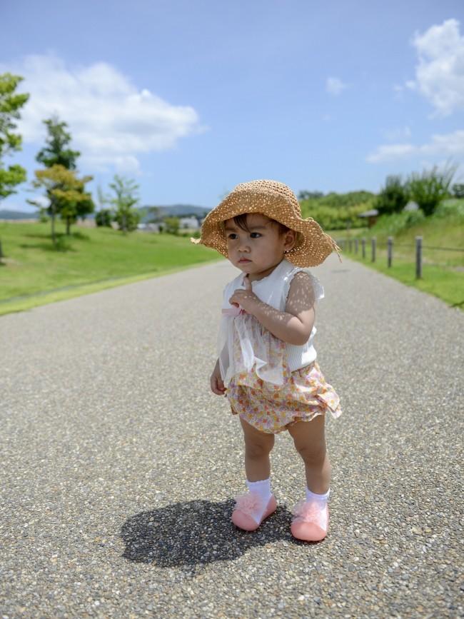 1歳を過ぎると、歩きたいざかりに! 毎日楽しくおでかけできる、ファーストシューズ3足を紹介します
