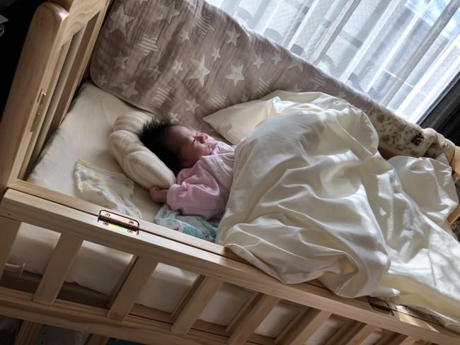 居場所があるって安心♪ 退院後から、赤ちゃんの定位置です