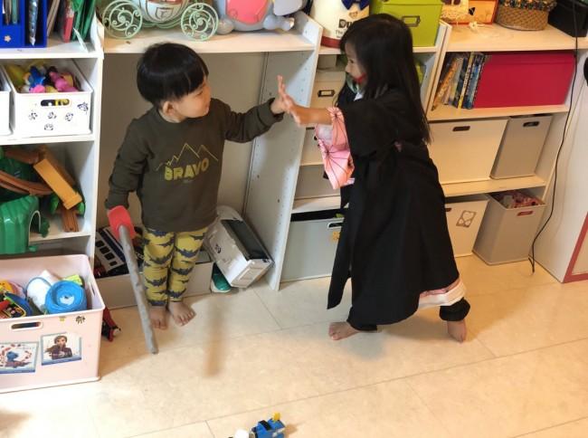 大きくなるに連れて増えるおもちゃ。上手に収納を切り替えつつ、親子共にピリピリせず、適度に片付けしていきたいです!