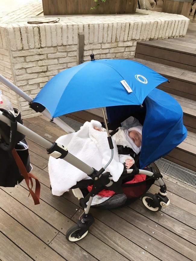 日差し予防のパラソルで、安心しておでかけできます
