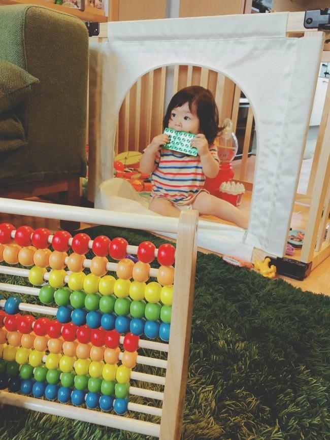 両親からは、長く使えて置いておいてもかわいい知育玩具・レインボーアバカスを!