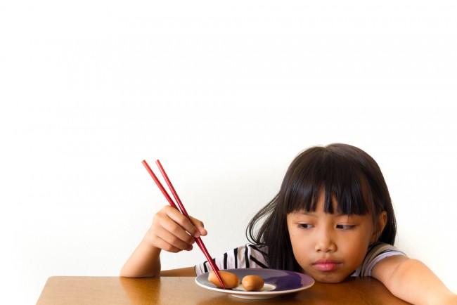 3歳くらいになると、気になるおはしトレーニング。いろんなトレーニング箸を比べてみました!