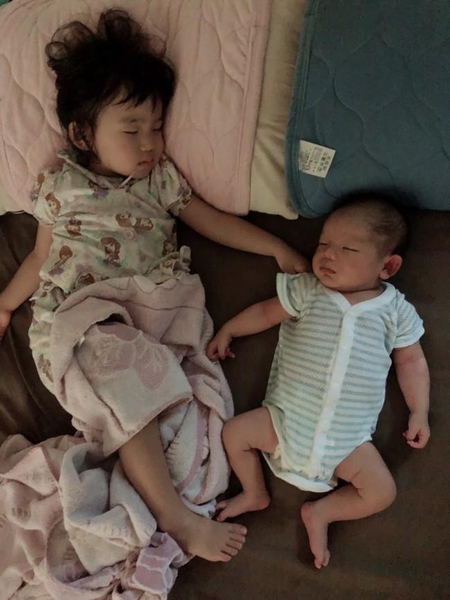 下のふたりが同時に寝付いてくれると、ホッとひと安心