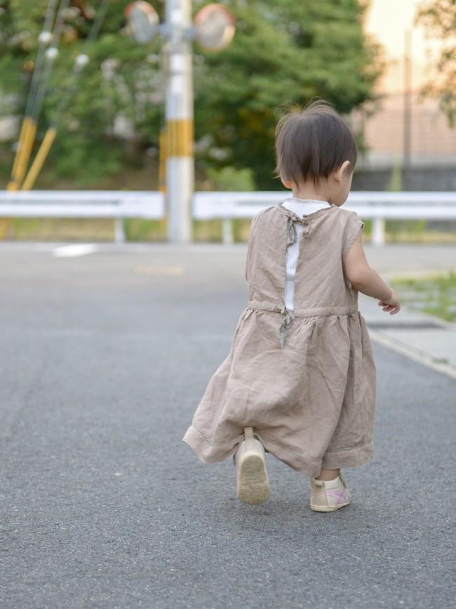 保育園生活では、とにかくたくさん歩きます! 脱ぎ履きさせやすいことも大事