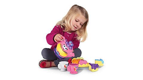 遊びながら楽しく数や単語を覚えるには、知育玩具もおすすめです♪