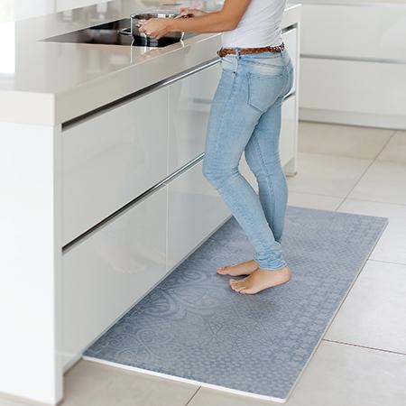 キッチンマットやヨガ用マットとして使うママも。数デザインを部屋で使い分けても楽しそう!