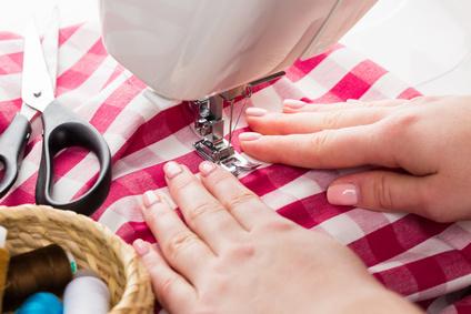 お裁縫が得意で、サッと手作りできるママは少ないよう。かわいく完成度の高いグッズを、ラクして揃えちゃいましょう!
