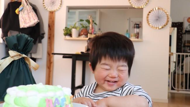 【2歳のバースデー、どうする?】ごちそう、プレゼント、ケーキ、飾り付け… 子どもが喜ぶとっておきの1日にしよう♡