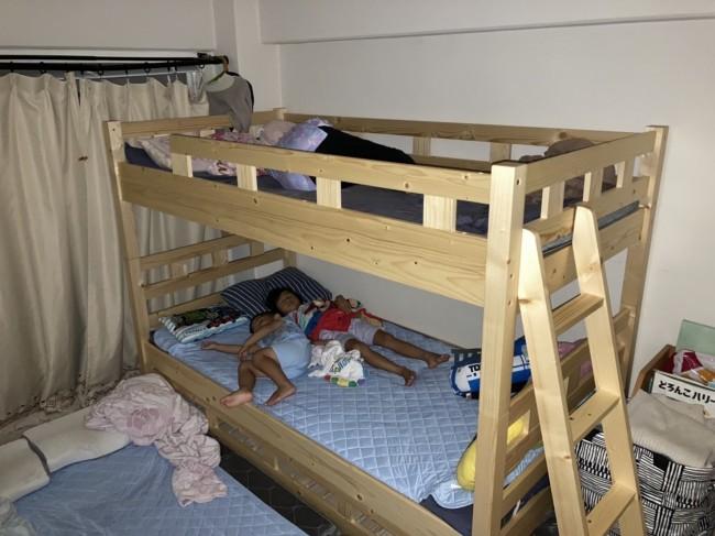 子どもが成長して寝るスペースや部屋が変化していくことを考えると、みんなで同じ寝室で寝かしつけも今だけの貴重な時間です