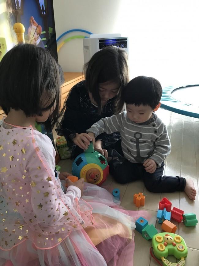子ども同士で遊んでもらって、ママたちはおしゃべりタイム♪