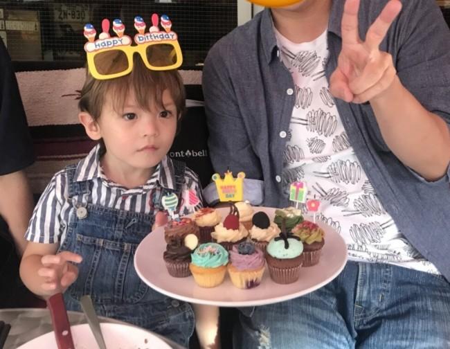 デザートは、カラフルで可愛いカップケーキ♡