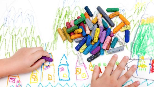 お絵描き大好きキッズおすすめ♪ 子どもも楽しく、ママも安心な、はじめてのお絵描きグッズ9選!