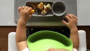 《自分で食べられる!》子どものつかむ・食べるを研究したスプーン&フォーク、正しい持ち方で楽しく食べよう♡