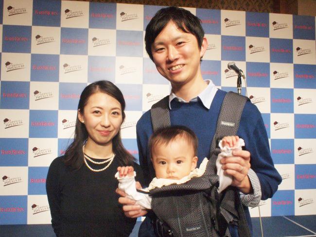 グランプリの高橋佳祐パパ。娘ちゃんは、パパの抱っこでいつまでもご機嫌でした♪