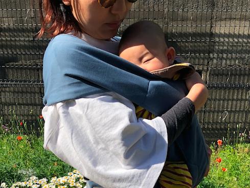 サッとつけられ、ピタっと密着できる、新感覚な抱っこひもでした! (我が子は現在3ヶ月、体重は約6キロ)