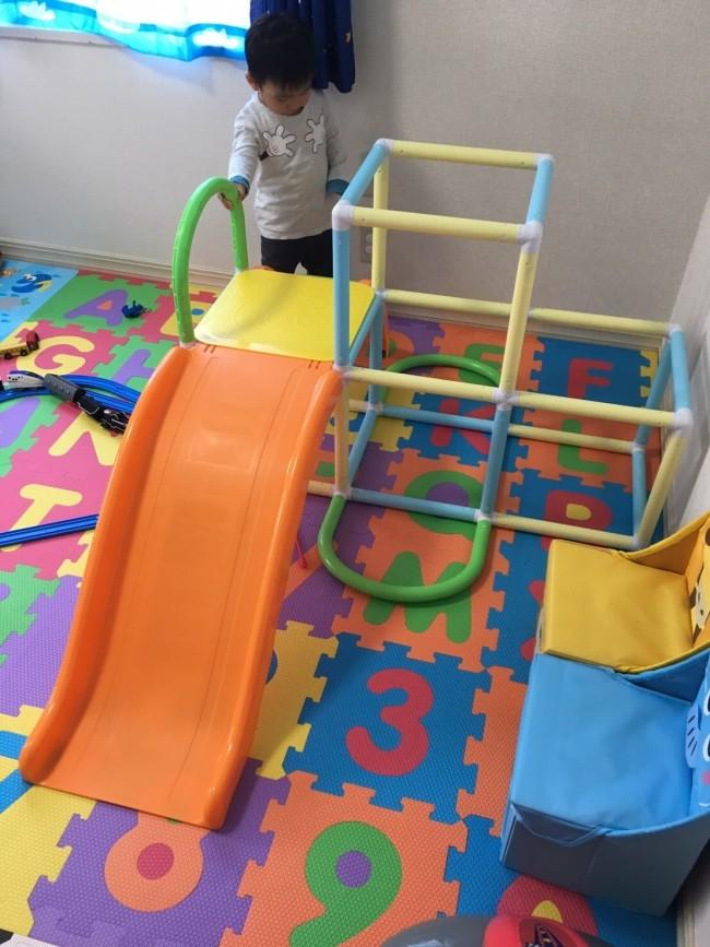 お兄ちゃんになる息子のために、家のなかで思いっきり遊べる大型玩具を!