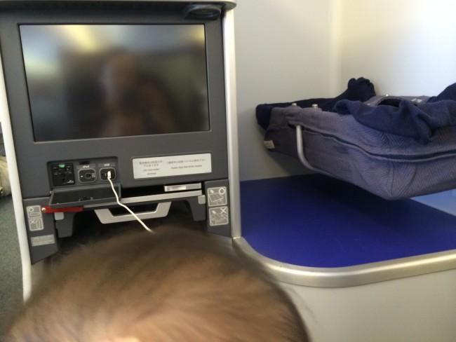バシネットの規定は各航空会社によって異なるので、問い合わせを!