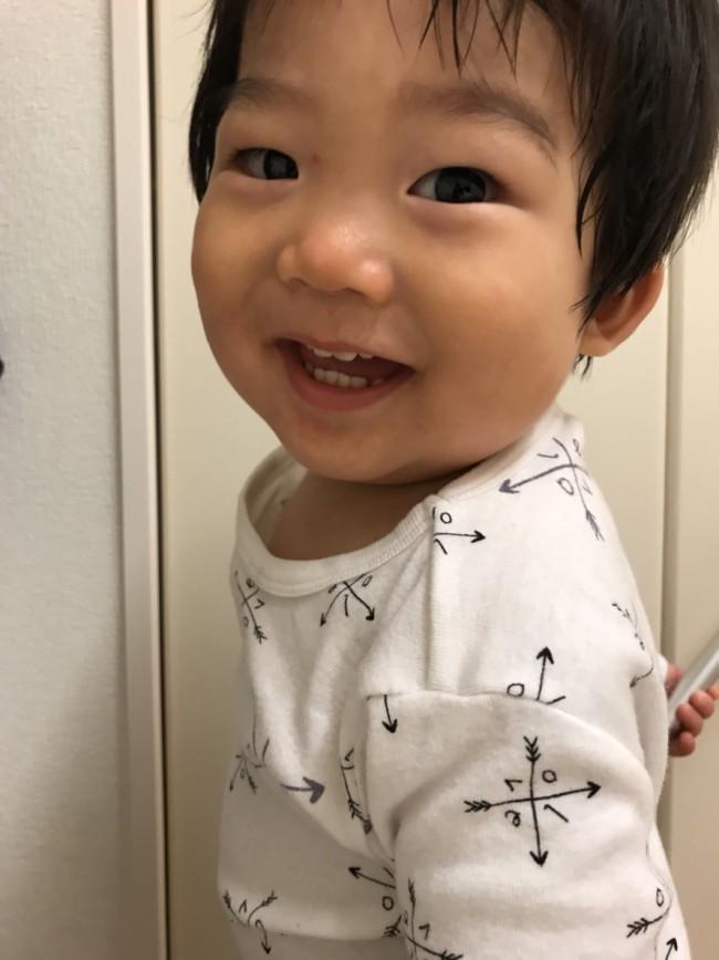 着心地の良さ抜群。はじめてのパジャマにニコニコな息子!