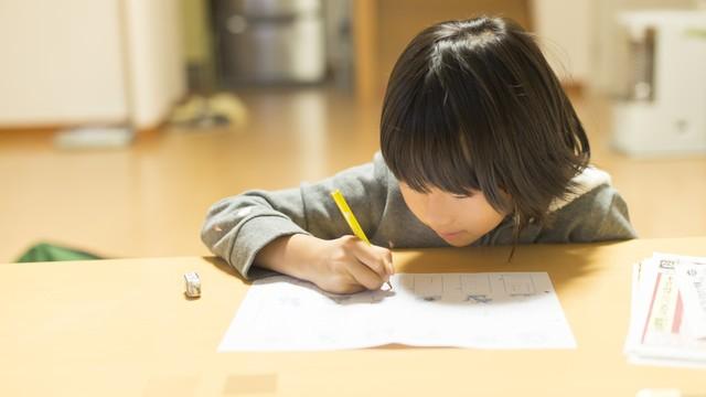 入学準備の定番だと思っていたけれど… 「学習机」の買い方が変わってきてるって本当?